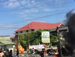Proyek Jalan Gunakan Dana Pinjaman Senilai 185 M Tidak Transparan, KMS UNM Demo Dinas PUPR Sinjai !