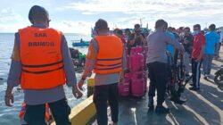 Tim SAR BRIMOB Bone Turun Tangan Evakuasi Barang Korban Ledakan Kapal di Pelabuhan Bajoe