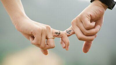 Tips Membangkitkan Gairah Pasangan Saat Bercinta